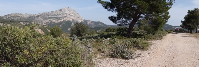 Outstanding place to walk children near Aix-en-Provence